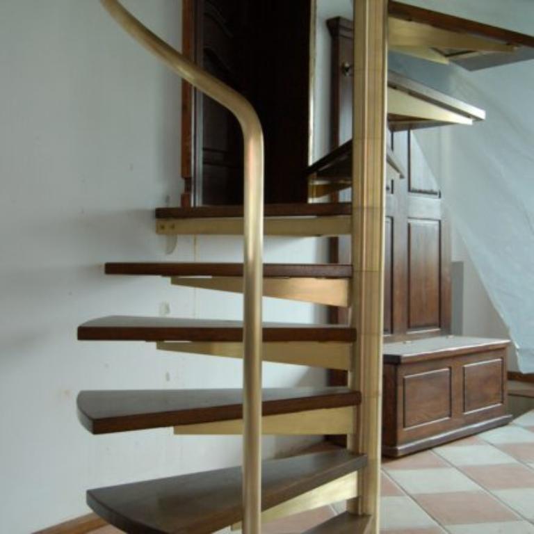Jak dopasować balustrady do konkretnych typów schodów?